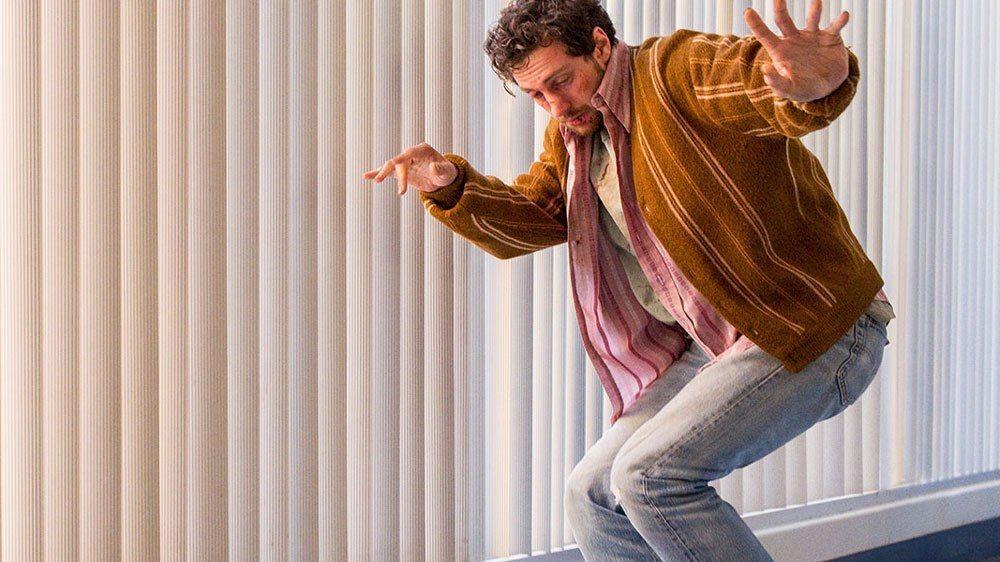 艾倫泰勒強森在「A Million Little Pieces」飾演深陷毒海的青