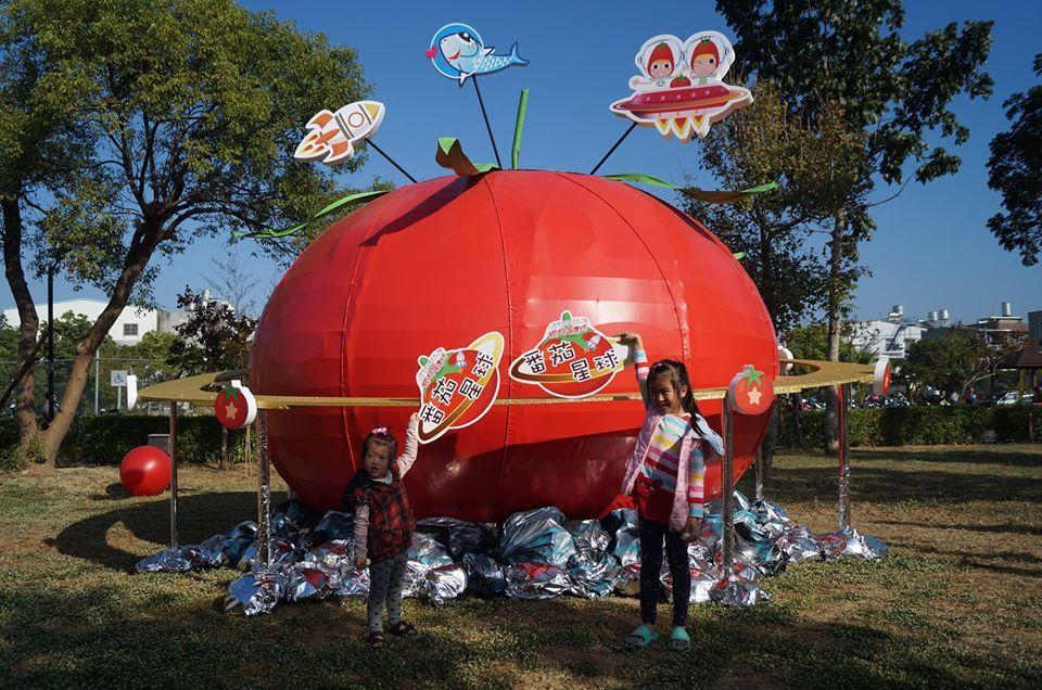 「2019路竹番茄節」今、明兩天舉辦,場安排小朋友喜愛的卡通台主持人到場互動,圖...