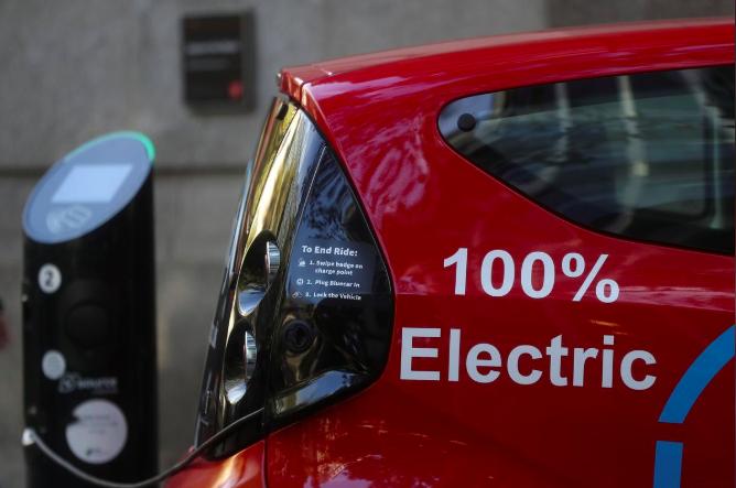 英國的柴油車需求急劇下降,環保車輛則成長快速。路透
