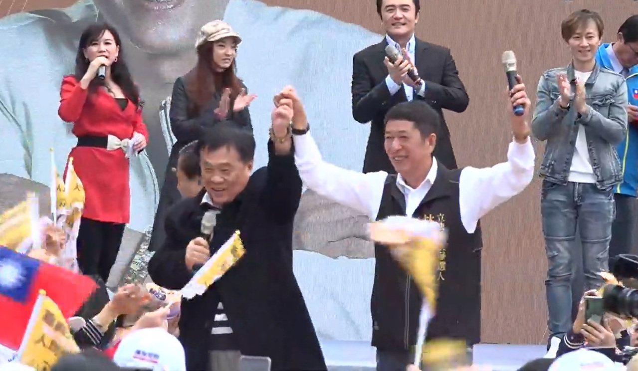 翁重鈞今天到林國慶造勢會場表示支持。記者卜敏正/翻攝