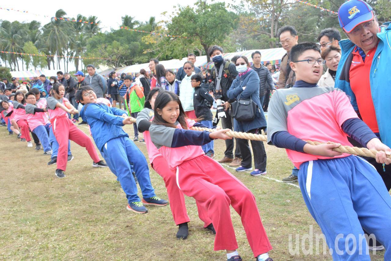 今天台南空氣品質好,學校運動會熱鬧又刺激。記者鄭惠仁/攝影