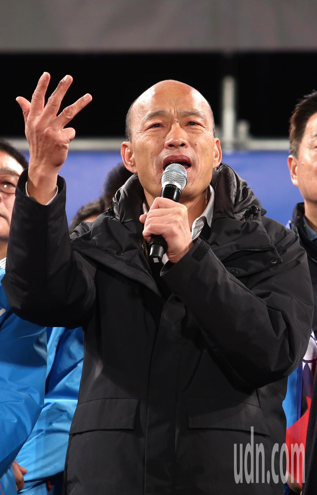 國民黨總統候選人韓國瑜(圖)下午出席新竹縣總統與立委聯合競選總部成立大會,談到如...