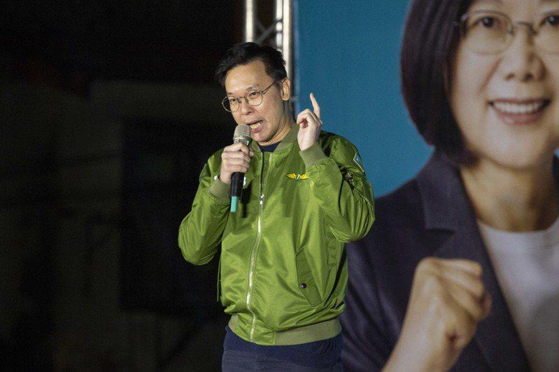 民進黨副秘書長林飛帆說,國民黨裡面有很多優秀年輕世代,且紛紛站出來向國民黨中央、韓國瑜說「你是錯的」,而選舉選舉不應該這麼低級,應該是一個理念。記者王敏旭/攝影