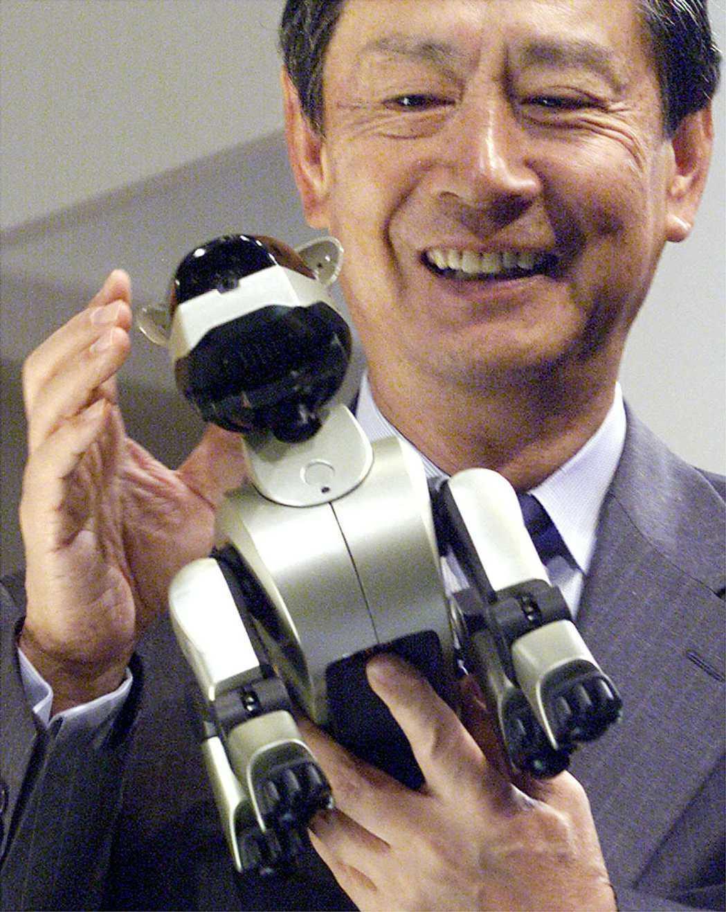 日本Sony自1999年推出機器狗Aibo,掀起熱潮,至今已銷售15萬台。路透