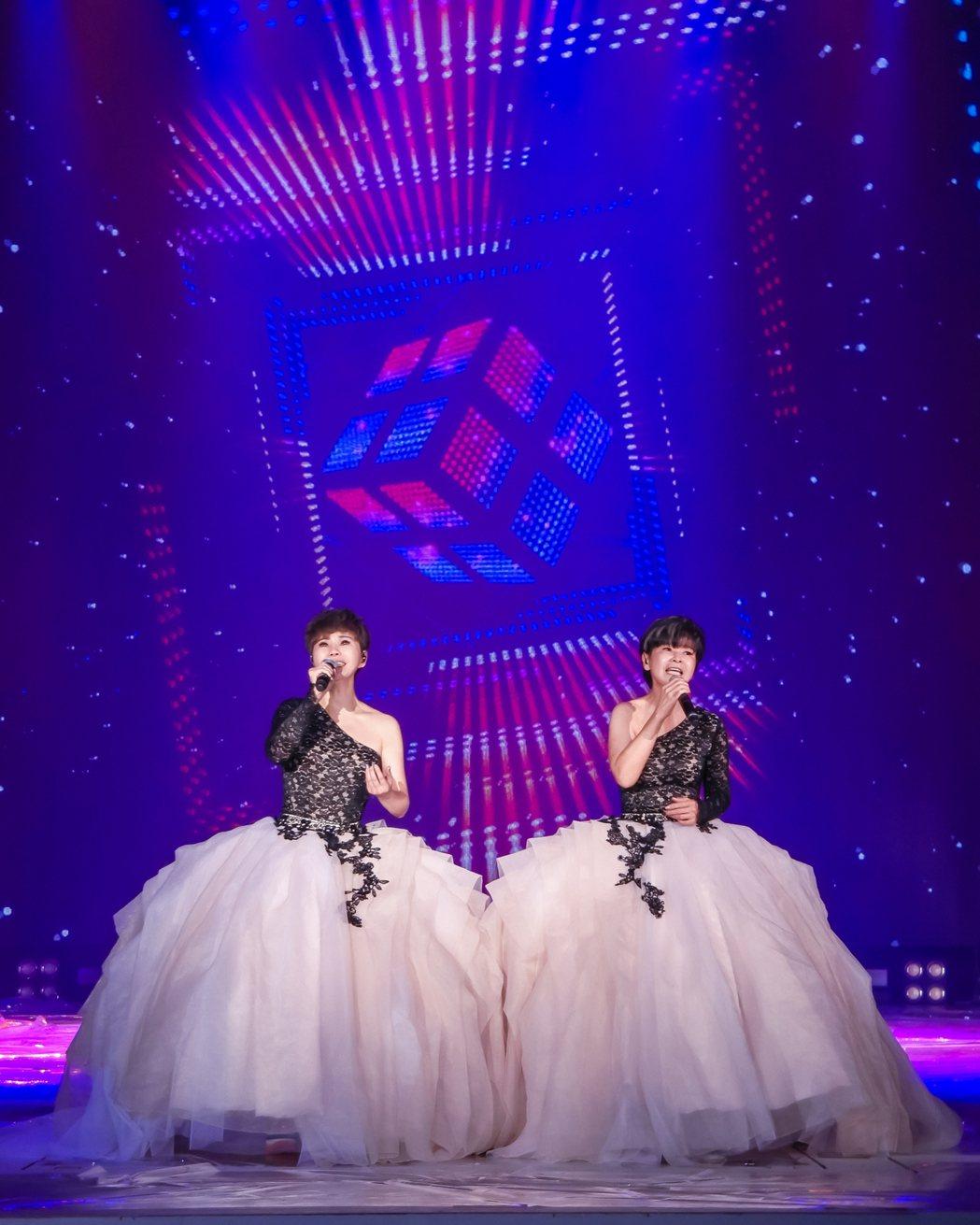 詹雅雯(左)邀妹妹詹雅云擔任嘉賓。圖/寬宏提供