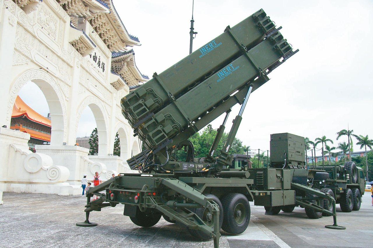 台美完成「愛國者飛彈技術支援合約」簽約,採購金額達十五億餘元。圖/聯合報系資料照...