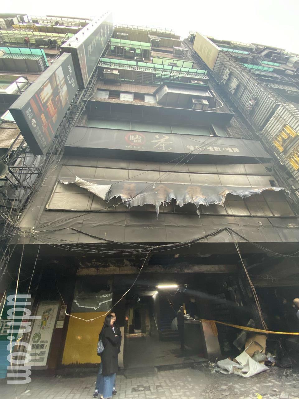 林森北路四面佛宮廟昨遭人縱火,4女嗆傷送醫。記者蔡翼謙/攝影