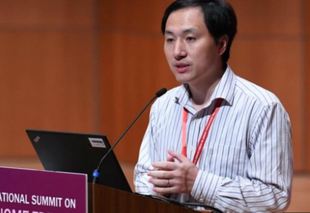 第二屆人類基因組編輯國際峰會2018年11月在香港舉行,賀建奎表示,為編輯基因在...