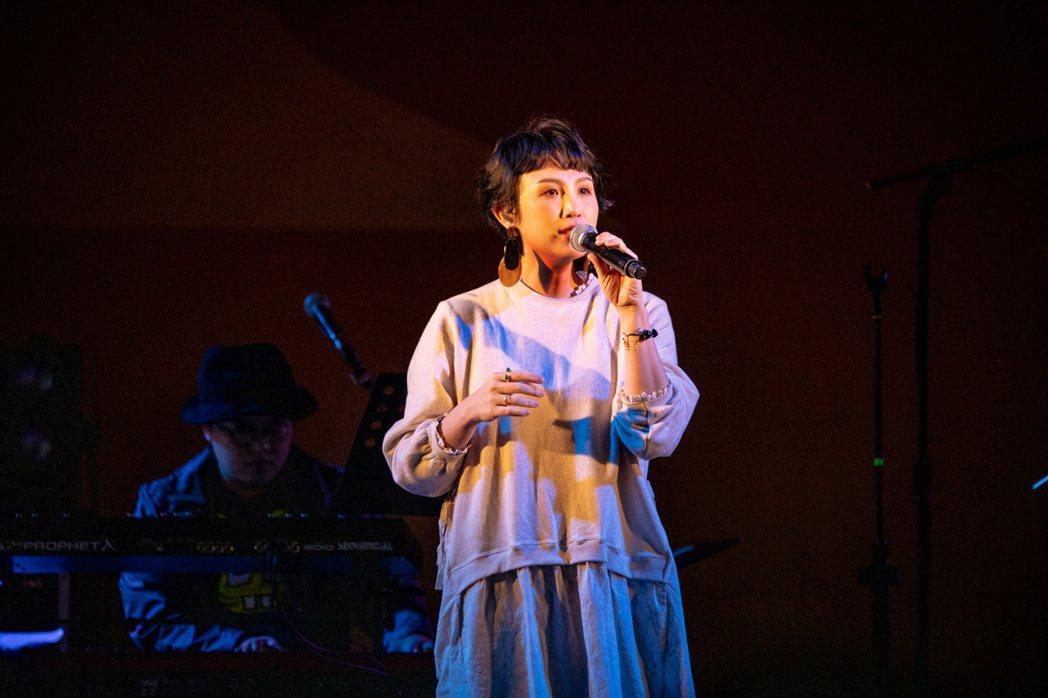 魏如萱昨晚首唱新歌「Ophelia」。圖/簡單生活節提供