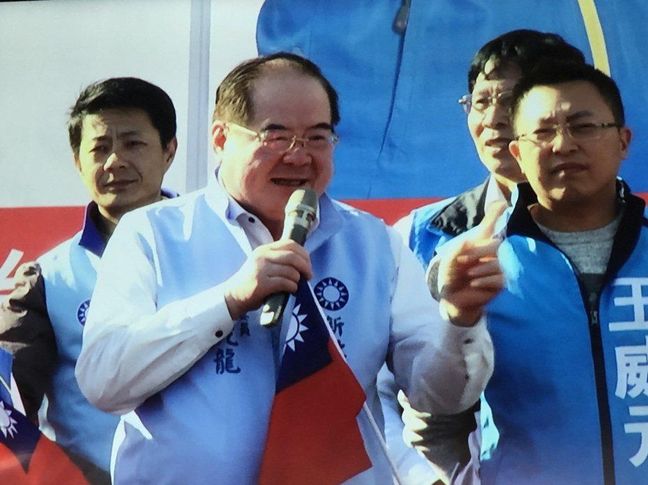李乾龍說,下架民進黨。記者王敏旭/攝影