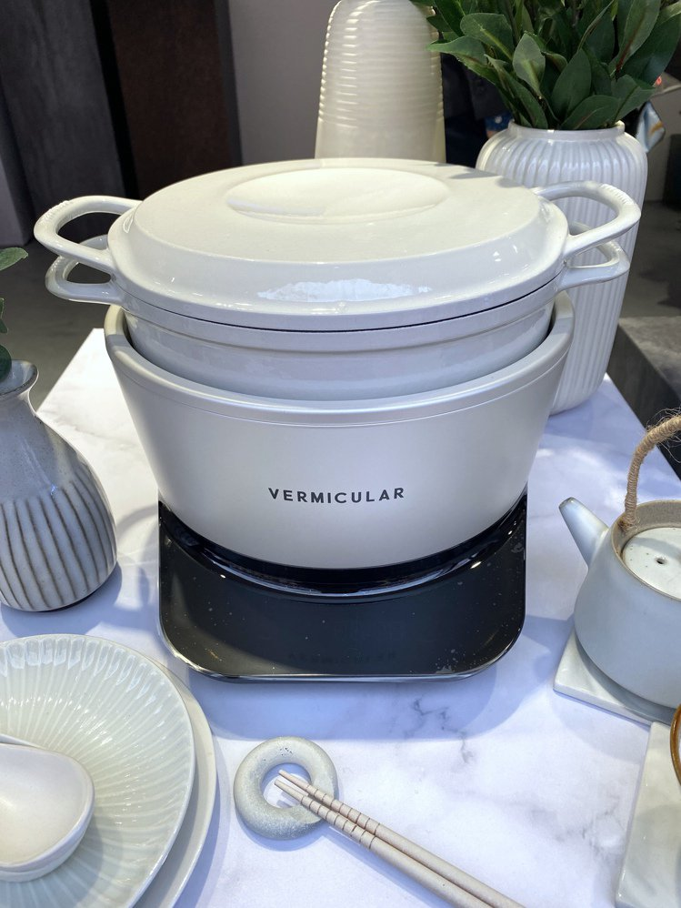 Vermicular IH電子鑄鐵鍋,建議售價29,500元。記者黃筱晴/攝影