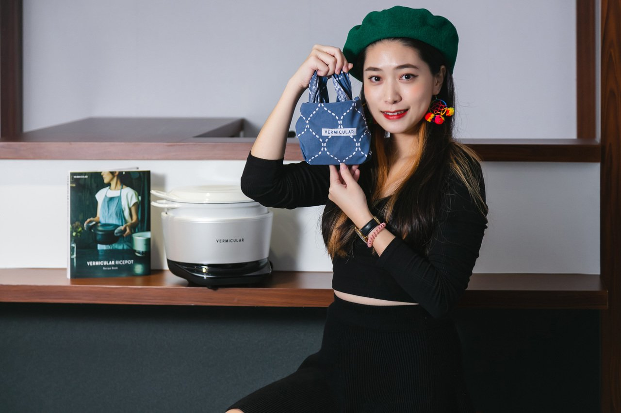 Vermicular今日於台北忠孝SOGO廣場打造了一間「日本金箔和牛飯糰快閃店...