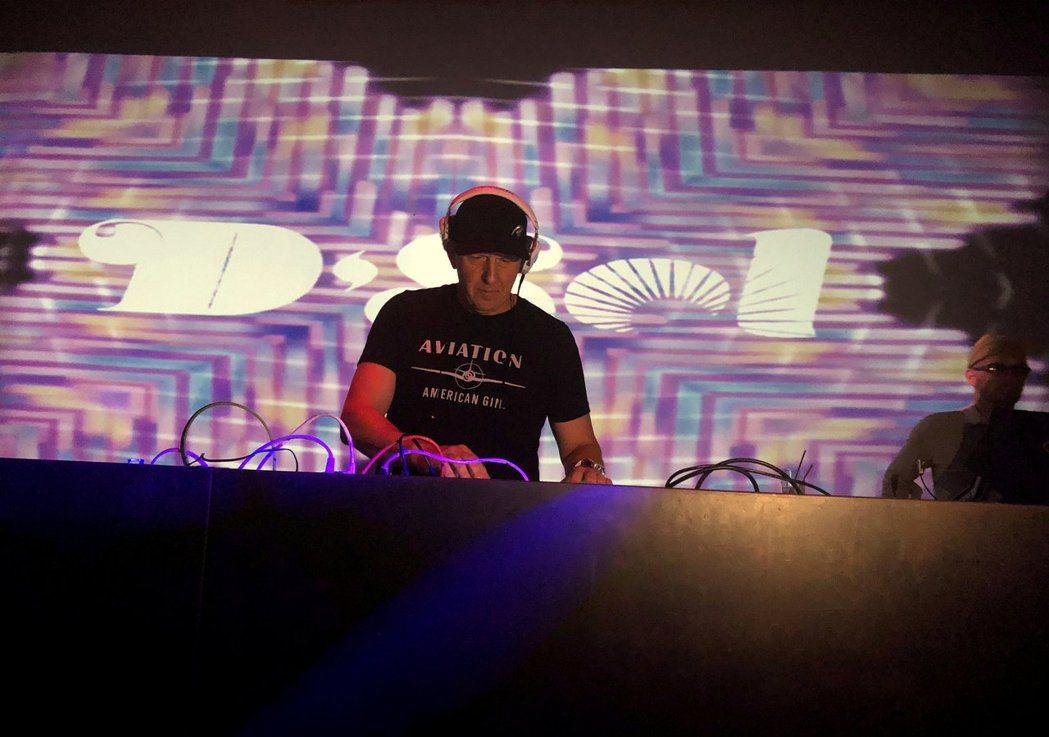 高盛執行長所羅門身兼夜店DJ。路透