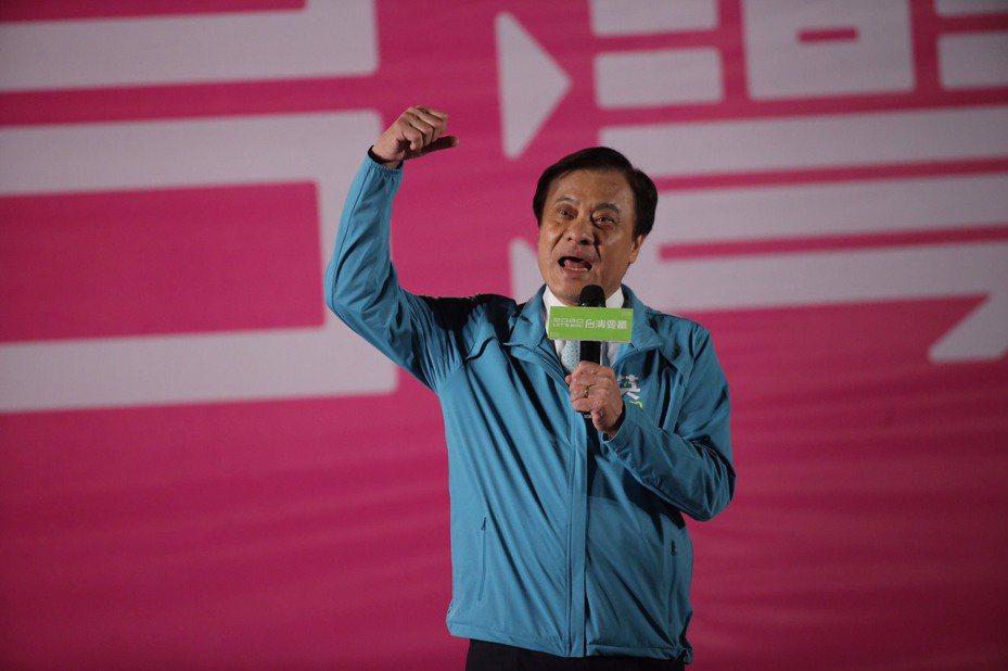 立法院長蘇嘉全要求大家支持「顧台灣」的蔡英文總統。記者黃仲裕/攝影