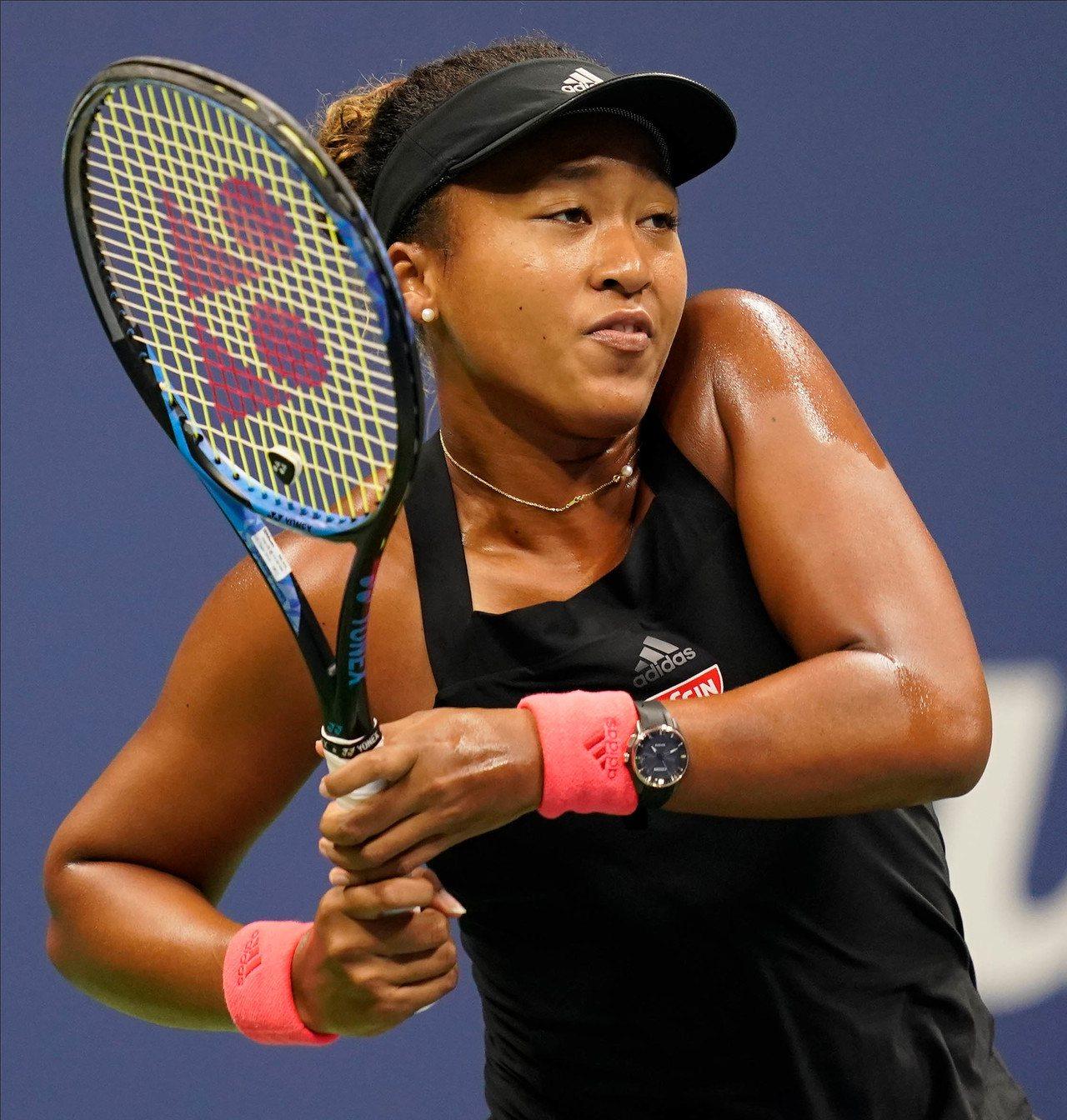 日本網球名將大阪直美去年在美國公開賽對戰美國網球名將小威廉絲,最後獲勝。(美聯社...