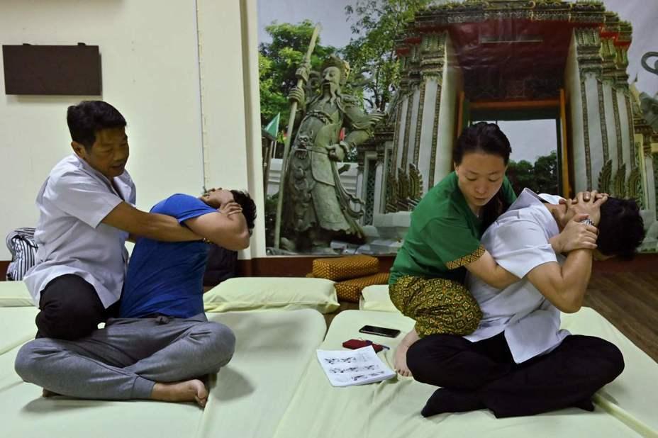 聯合國教科文組織(UNESCO)本週在哥倫比亞首都波哥大開會,可能將泰式按摩列入「無形文化遺產」。 法新社