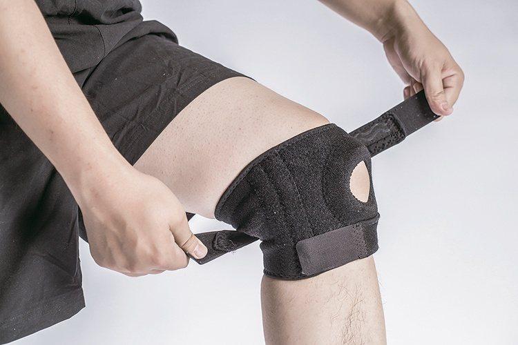 膝關節若有受傷,才需配戴護膝。 圖片來源/好健康雜誌
