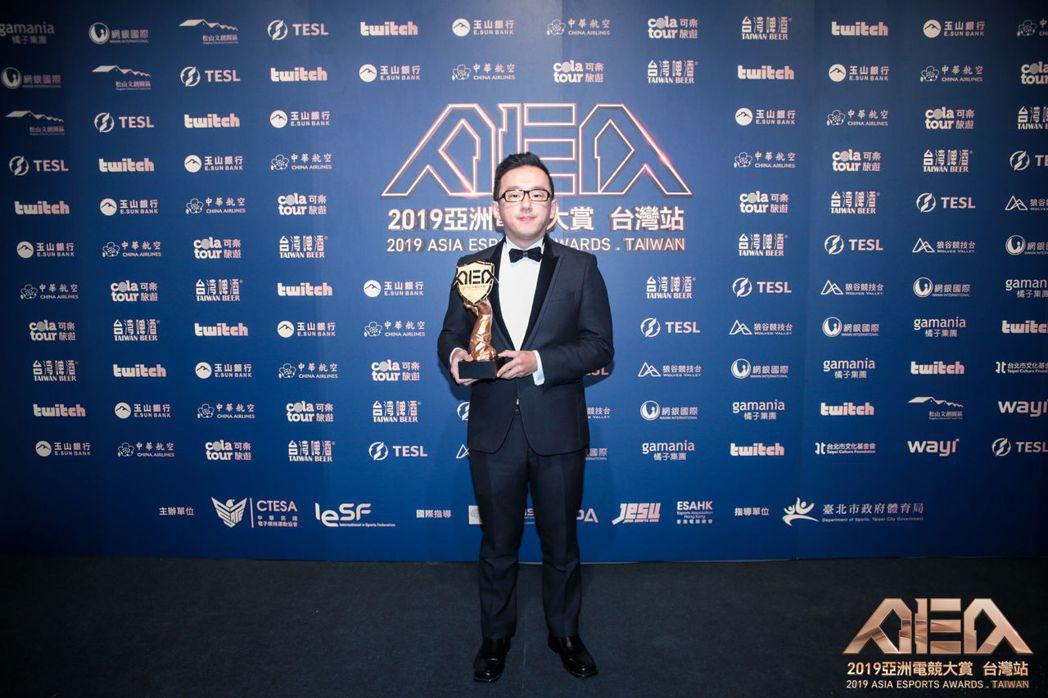 年度最佳家用主機選手獎:「E.T.」林家弘《拳皇》