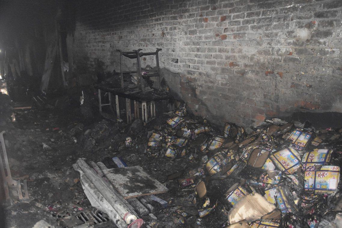 這場震驚印度全國的重大火災,發生在12月9日清晨破曉前、印度德里北區的安納杰曼迪...