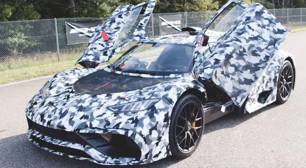 AMG One測試車全車貼滿偽裝迷彩。 摘自Mercedes-AMG
