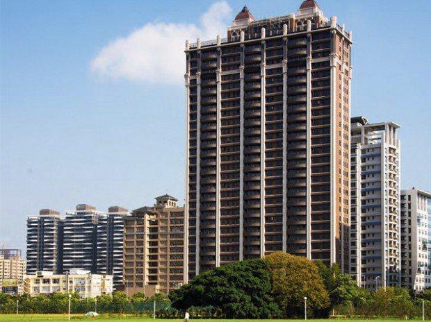 中悦建設機構在竹北高鐵特區以媲美台北市仁愛大道的光明六路,再度以高規格為頂尖菁英...