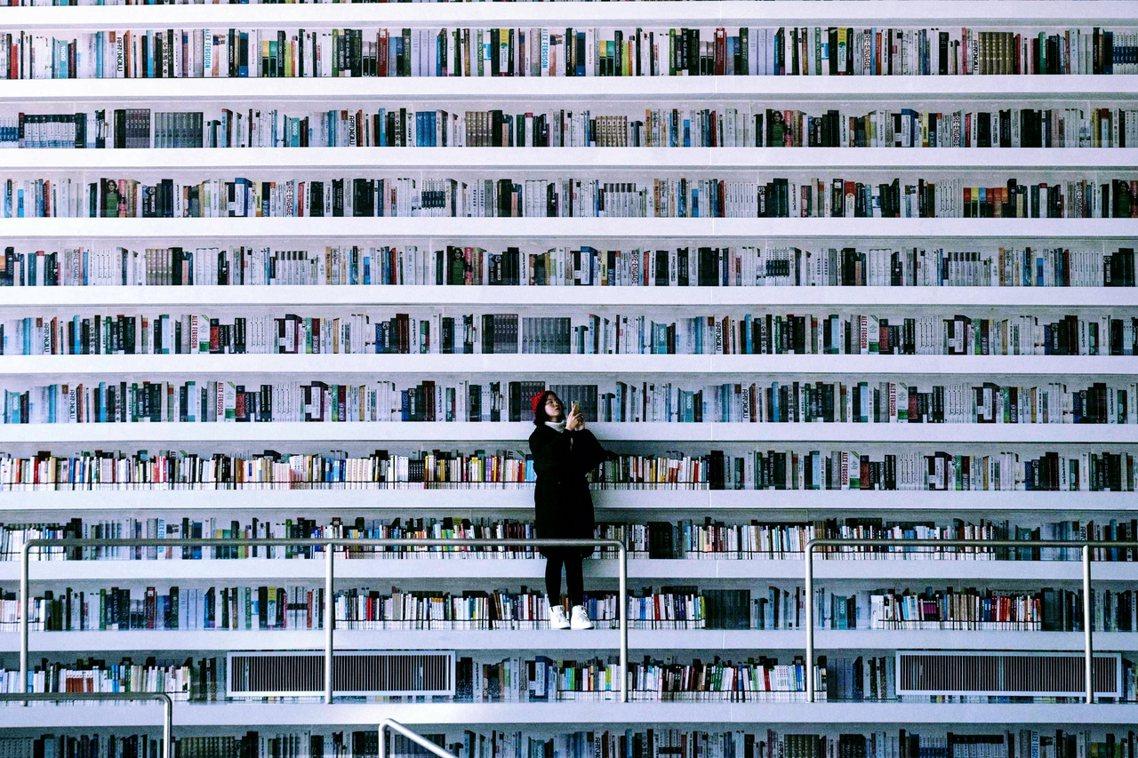原本鎮原縣圖書館無論是行政層級上、還是地理位置上,較不為主流新聞所重視;但因為去...