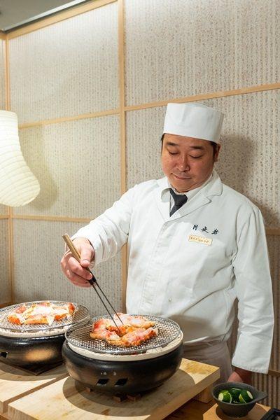 月夜岩日籍料理長福島隆史精湛的手藝。