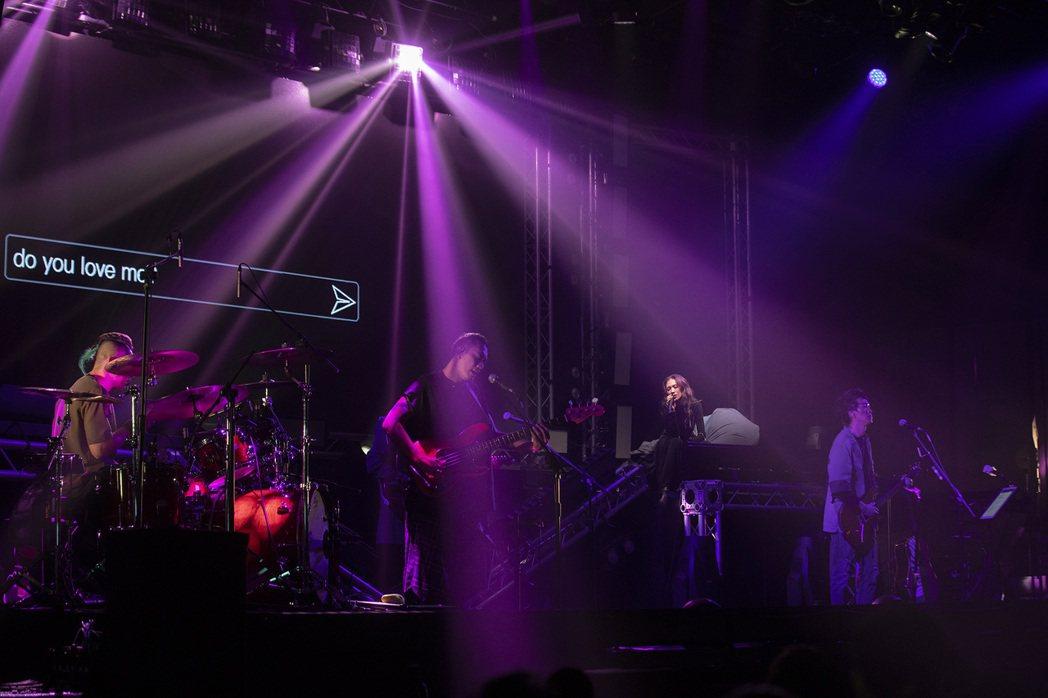 「佛跳牆」舉辦「BJ肆」新歌演唱會。圖/妮樂佛提供