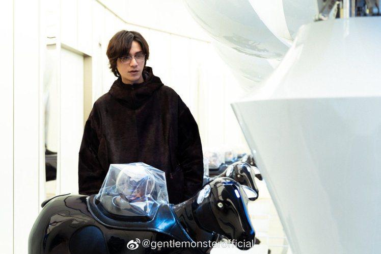 中國男星陳坤現身Gentle Monster旗艦概念店,並演繹2020 MY M...