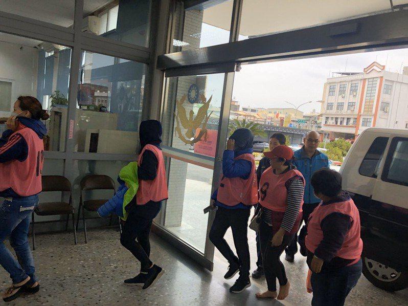 想趁里長補選警察「比較忙」開賭場?19人被逮。記者周宗禎/翻攝