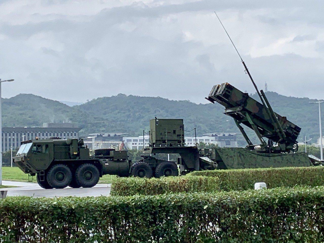國軍12年耗資1791億餘元,對美採購6個連愛國者3型防空飛彈,同時將現有部署大...