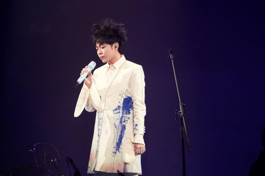 吳青峰在上海連辦2場「太空備忘記」巡演。圖/環球提供