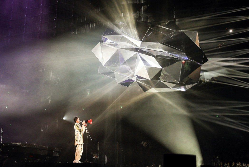 吳青峰「太空備忘記」巡演於明年2月移師小巨蛋。圖/環球提供