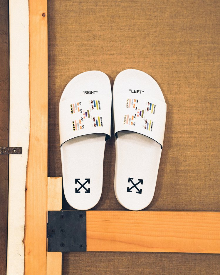Off-White YOURS TRULY系列白色涼鞋7,200元。圖/Off-...
