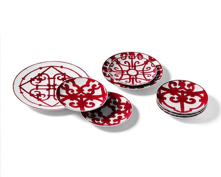「西班牙紅餐瓷」系列是向位於西班牙南部的鑄鐵藝術之都安達魯西亞(Andalusi...