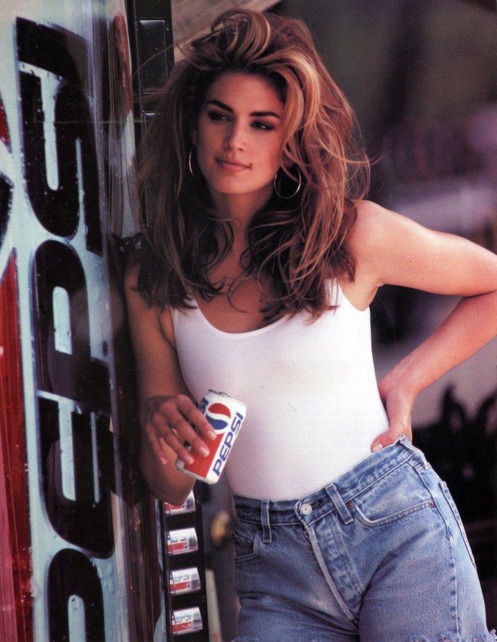 辛蒂克勞馥當年拍攝的可樂廣告。圖/摘自reformer.com