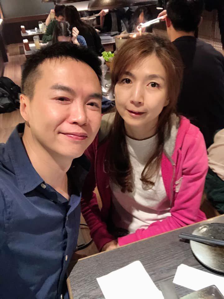 吳鈴山(左)與黃崇蘭夫妻常曬恩愛。圖/摘自臉書