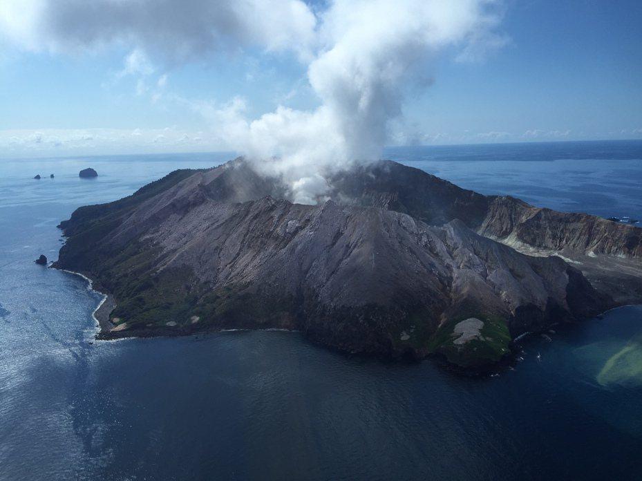 懷特島火山的面積僅幾公里寬。新華社