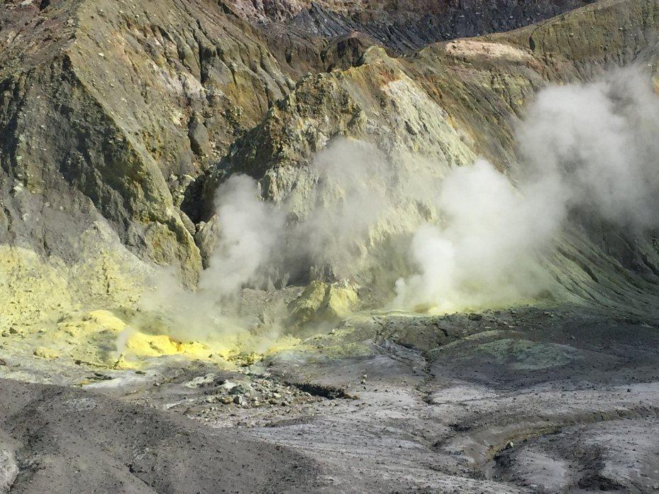 懷特島上蘊藏大量硫礦。新華社