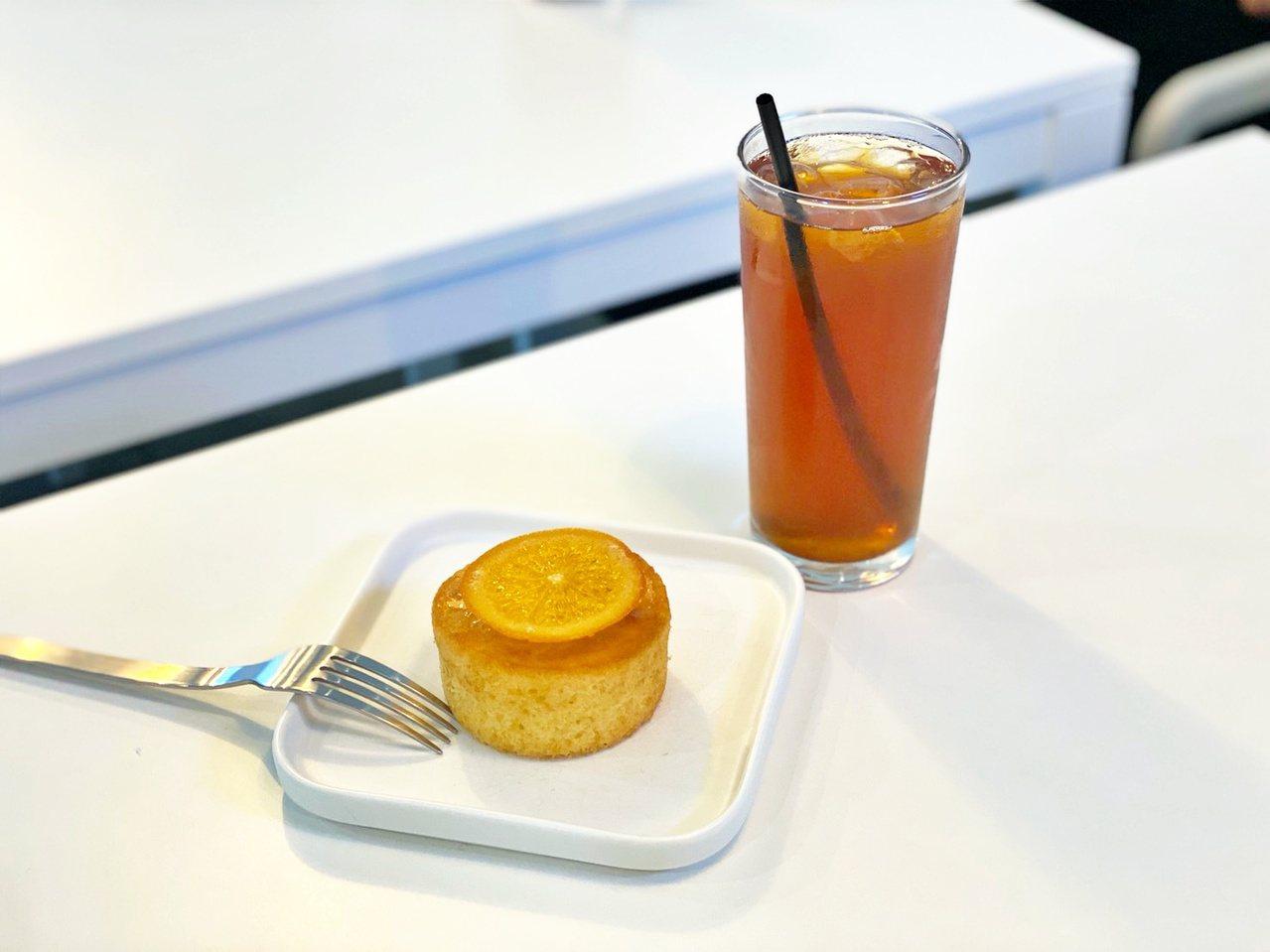 磅蛋糕可說是店內的招牌,口味相當多種可選擇,另一定要品嘗的就是紅茶。記者魏妤庭/...