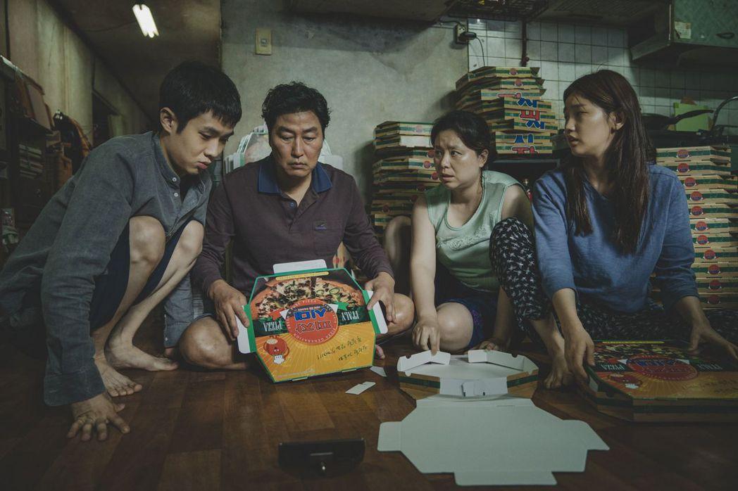 韓國電影「寄生上流」入圍最佳導演、最佳外語片等多項大獎。圖/Catchplay提...