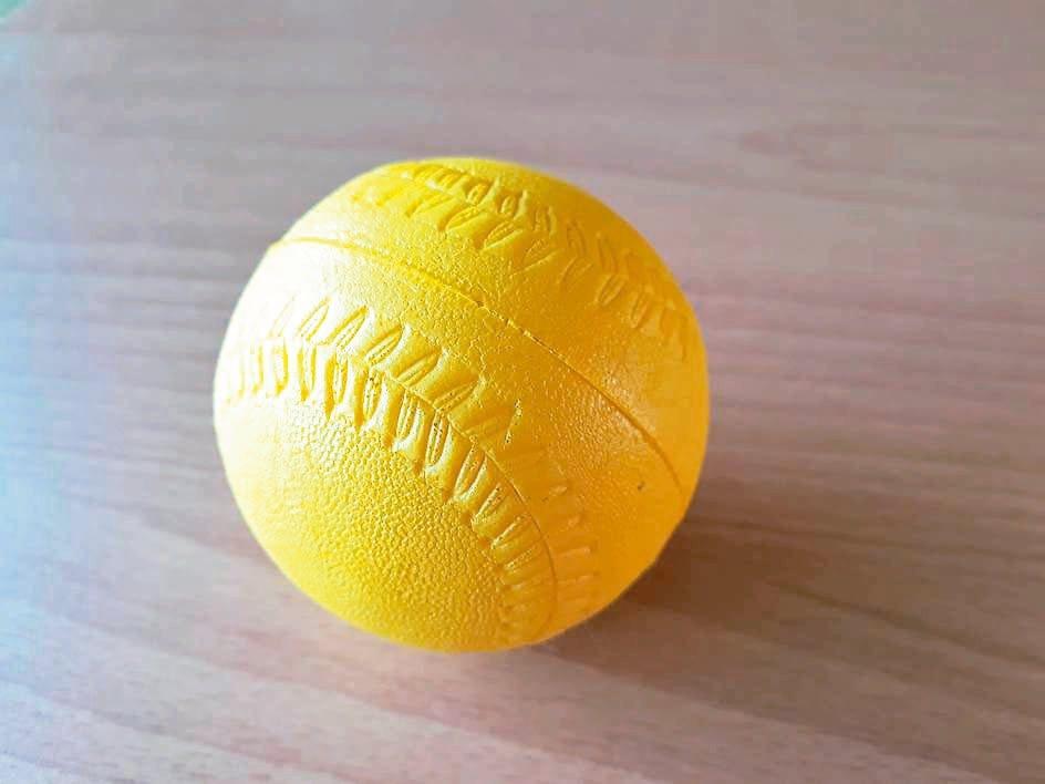 這顆不用錢的彈力球運動,能放鬆紓壓、深層伸展穴位,按摩肌肉筋膜,也得到職能師鼓勵...