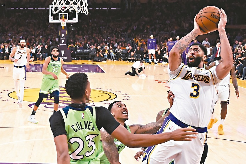 NBA/AD第4度奪50分 詹姆斯:球給他就對了