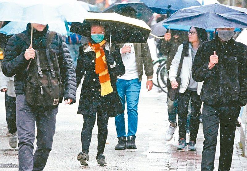 吳德榮表示,13日起氣溫逐漸回升,且未來一週無明顯冷空氣南下,將有暫離冬天的錯覺。 圖/聯合報系資料照片