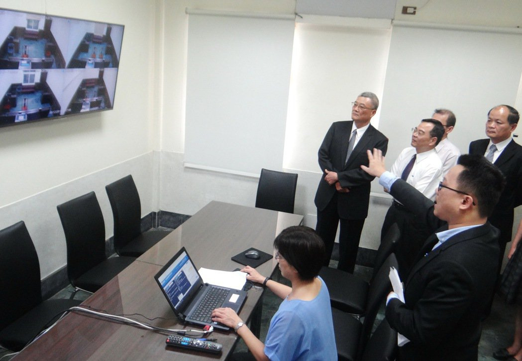 雲林地檢署因應科技賄選,成立科技偵查指揮中心,檢察官說明科技指揮中心的查案過程。...