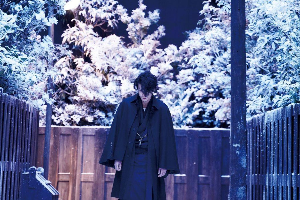「人間失格:太宰治與他的3個女人」12月6日上映。圖/車庫娛樂提供