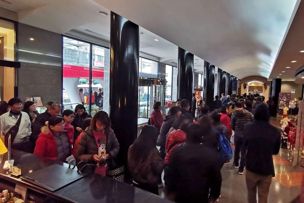 台南大飯店55周年慶,用餐貴賓依序入場。  台南大飯店 提供