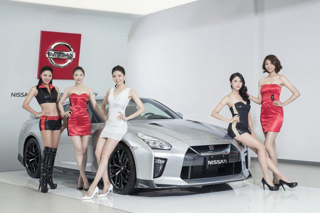 2020世界新車大展 NISSAN GIRLS時尚名模亮眼登場,演繹NISSAN...