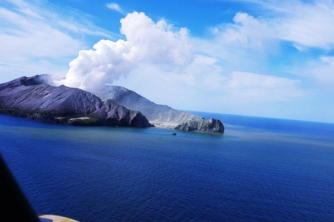 白島火山的噴發,發生在當地時間9日下午2時11分。 圖/法新社