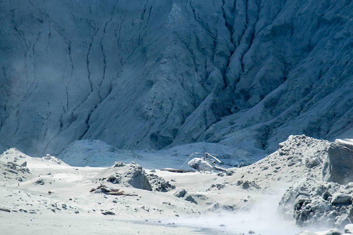「全島無生命跡象...」紐西蘭「白島火山」噴發,罹難人數恐13死。 圖/新華社